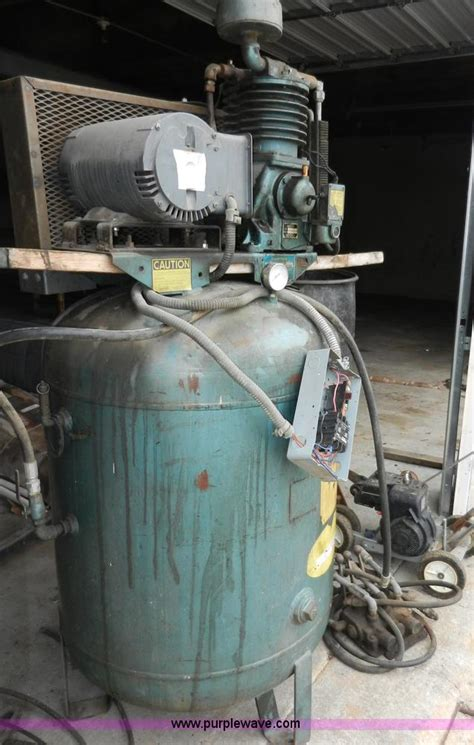 1972 dresser 5000 air compressor no reserve auction on wednesday may 01 2013