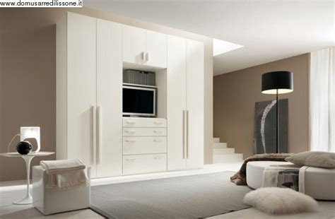 armadi attrezzati armadio attrezzato con vano porta tv