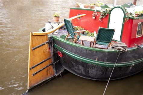 huis boot amsterdam huisboot in amsterdam stock foto afbeelding bestaande uit