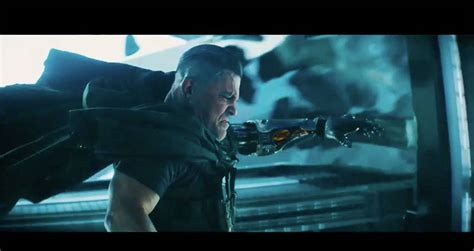 deadpool trailer cable new deadpool 2 trailer debuts josh brolin as cable e news