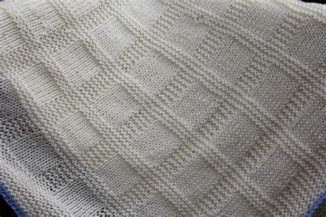 Knitted Blanket Pattern : HOUSE PHOTOS   Easily Knitted
