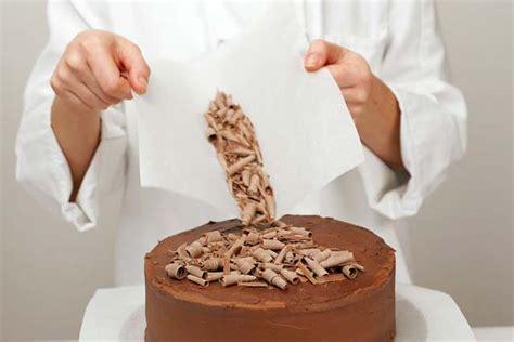 decorar tartas con virutas 5 ideas sencillas para decorar tartas de cumplea 241 os en