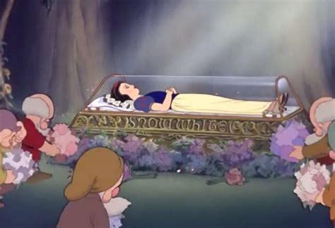 disney princess snow white  coffin  sad dwarfsjpg