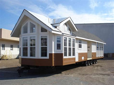 tiny mobile homes 1000 ideas about park model homes on cheap