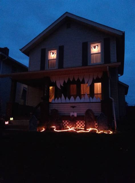 Apparently It's Time To Step Up Your Halloween Decorations