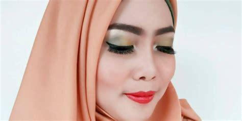 Eyeliner Wardah Warna Biru til playful dengan eyeliner warna warni co id