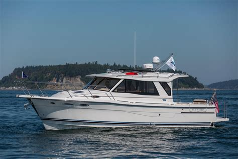 cutwater boats 2016 cutwater 30 le sedan power boat for sale www