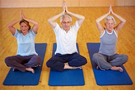 imagenes de yoga para tercera edad vivianayoga yoga y meditaci 243 n para la tercera edad