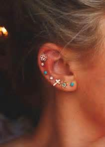 Galerry colored flower earrings