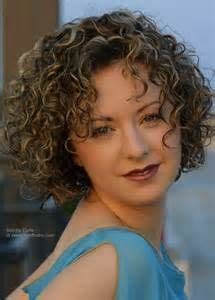 shaggy permed hair 25 best ideas about loose spiral perm on pinterest