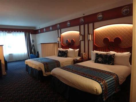 chambre familiale compass club picture of disney s