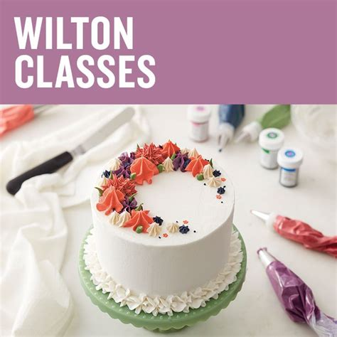tips for cake decorating at home best 25 wilton cake decorating ideas on pinterest