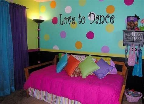 bedroom dance 14 polka dots design ideas for a kid s room kidsomania