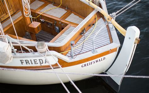 boat insurance jobs boat ownership here are 8 common boat insurance policy