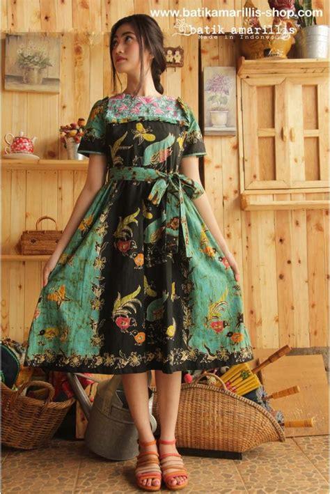Dress Batik Meliwis 3 www batikamarillis shop batik amarillis s innocencia dress with ruffled at chest