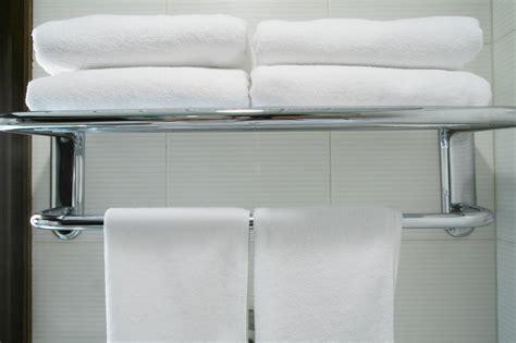 imagenes de toallas blancas el blog hotelero c 243 mo se colocan las toallas en los hoteles