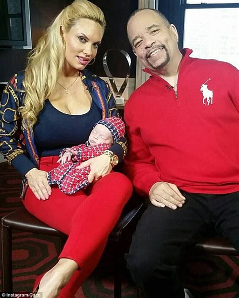 icy hot while pregnant coco austin awkwardly breastfeeds baby chanel in her car
