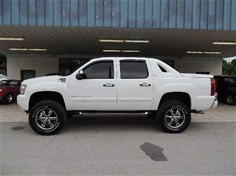 sell used lifted 2008 chevy avalanche 1500 4x4 ltz lifted 2008 chevy avalanche 1500 ltz in