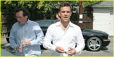 Lohan Leaves Rehab To Attend Aa Meeting Gets Mobbed By Paparazzi by Robbie Williams Attends Aa Meeting Gets Jj Approval