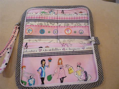 free pattern for zip around wallet rhonda s creative life fabulous free pattern friday