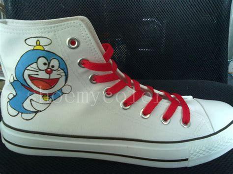 Doraemon Shoes doraemon painted shoes doraemon photo 33738634 fanpop