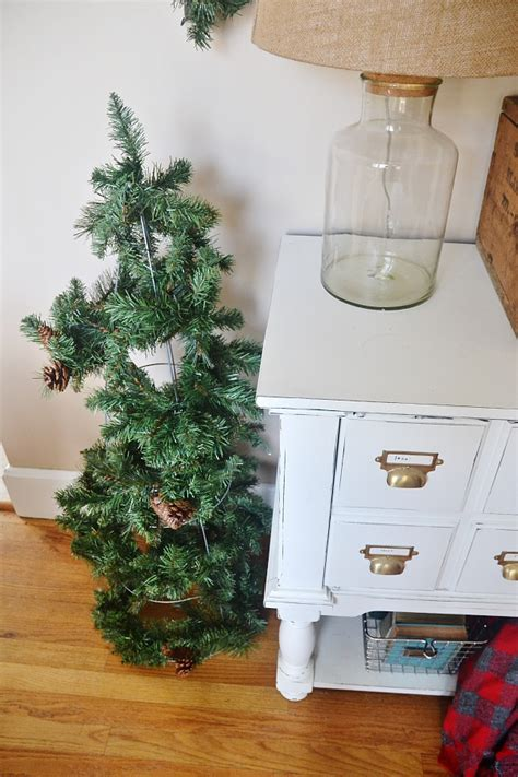 diy rustic tomato cage christmas trees liz marie blog