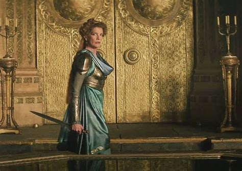 thor movie queen geek with curves women in thor the dark world spoilers