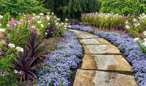 How To Make A Flower Garden Alan Titchmarsh On Building A Path In Your Garden Garden Style Express Co Uk