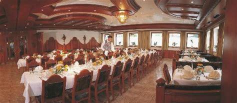 goldener speisesaal kleines einzelzimmer bettn 228 sser fleck bild