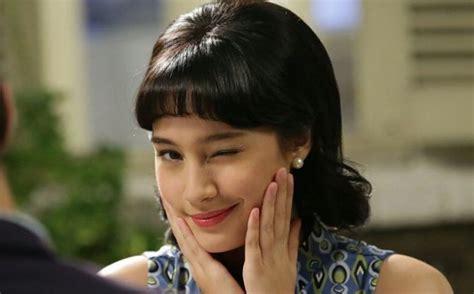 film remaja yang hot tatjana saphira unyu pakai gaun ungu di poster sweet 20