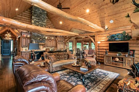 log home living the essential guide to log homes