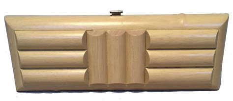 Dompet Gucci Envelope Embossed Wallet 1042 gucci wooden bamboo clutch with for sale at 1stdibs