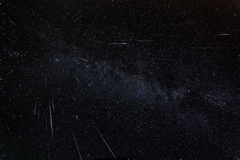 Perseid Meteor Shower August 12 by Perseid Meteor Shower Best Places To See Shooting Stars