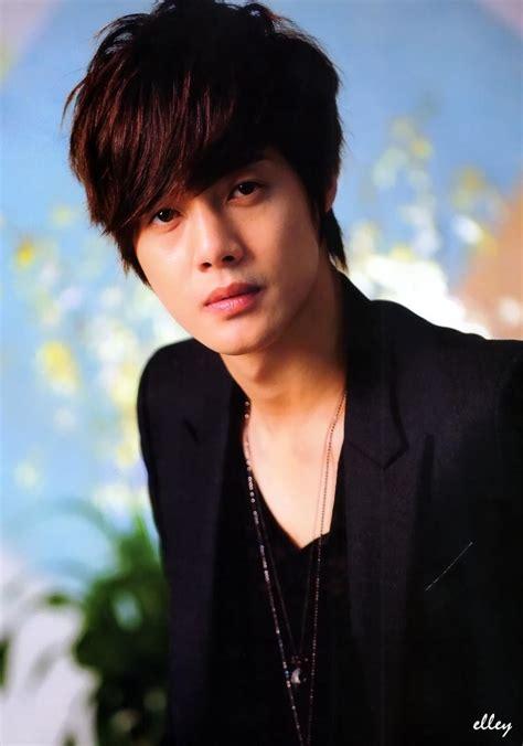 2011 you que kim hyun joong kboom 2011 feb vo 66