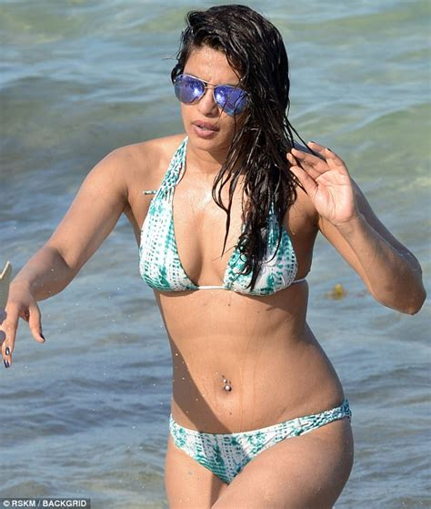 priyanka chopra en bikini priyanka chopra spends the weekend relaxing in a bikini