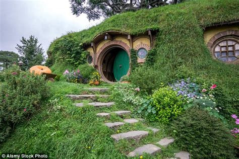 hobbit hole washington hobbit hole in washington state based on bilbo baggins
