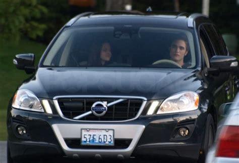robert pattinson  kristen stewart  car   eclipse set  vancouver