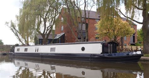 living on a boat costs uk how much does it cost to live on a narrowboat living