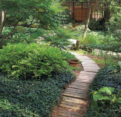 idea camino preciosas ideas de caminos de jard 237 n con madera