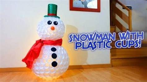 come fare pupazzo di neve con bicchieri di plastica come fare il pupazzo di neve con i bicchieri greenme