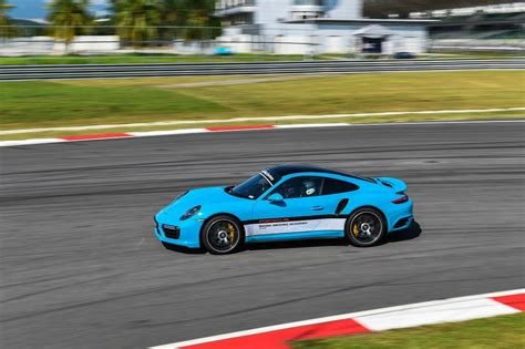 porsche malaysia the 2017 porsche media driving academy at sepang