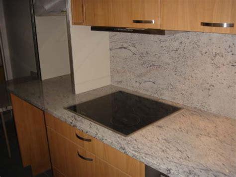 plaque granit cuisine cuisine en granit meera white la plaque de cuison