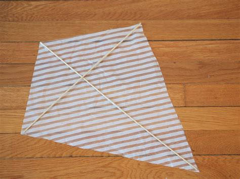 How To Make A Kite Out Of A Paper Bag - make two crapty kites newspaper kite and plastic bag kite