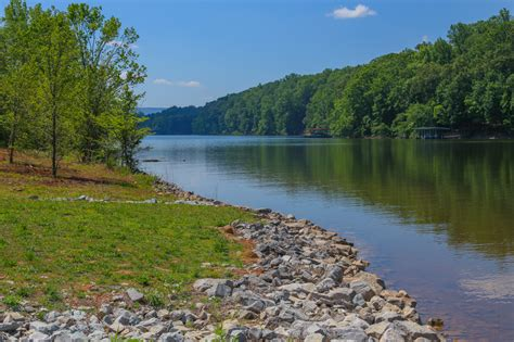 Tims Ford Lake by Buy A Lake Home On Tims Ford Lake In Tennessee