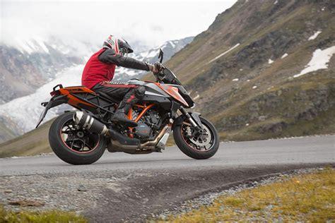 Aprilia Motorrad Forum by Aprilia Ktm Und Triumph Alpen Test Ischgl 2016 Motorrad