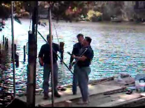 driving boat into lift how to drive a 6x6 post for a boat dock youtube