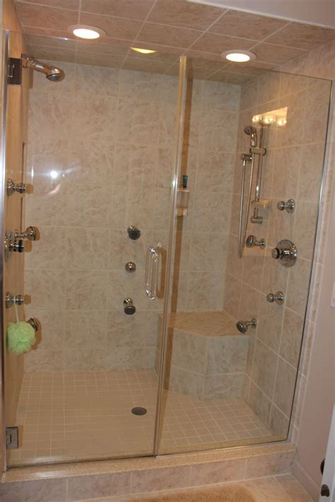 Clean Glass Shower Door Best 25 Cleaning Shower Doors Ideas On Pinterest Shower Glass Door Cleaner Cleaning Glass