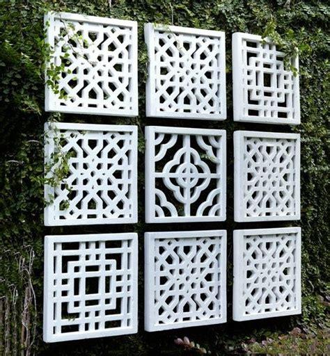 Wall Decor Garden Best 25 Garden Fence Ideas On Pinterest Fence Garden Fence Paint And Fence Decorations