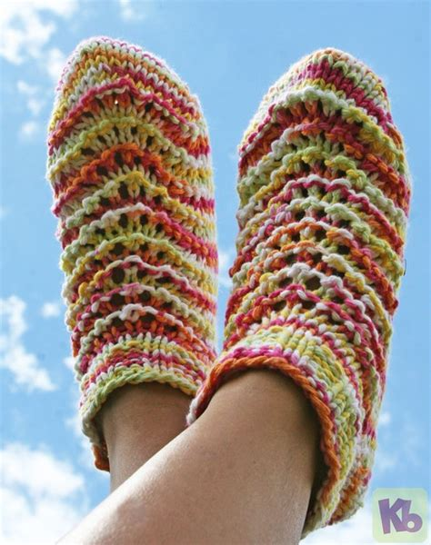 how to loom knit slippers summer footies socks slippers free loom knitting pattern