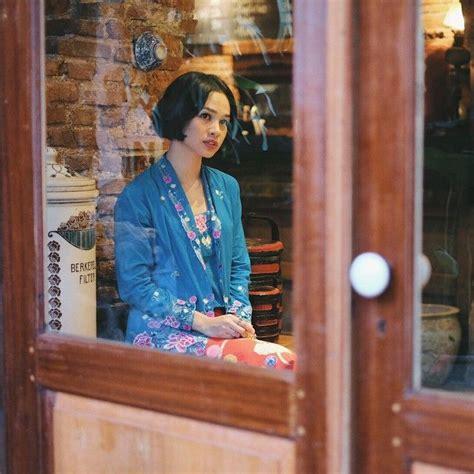 Kbr088 Setelan Kebaya Bordir Bunga 3 4 Wisuda Modern Rok Span Batik 7 tips padu padan kebaya kutu baru warisan nenek moyang yang bisa bikin penilanmu makin ayu